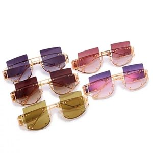 Retro women sunglasses
